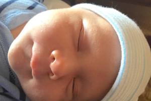 Mana sleeping 1 Mo old