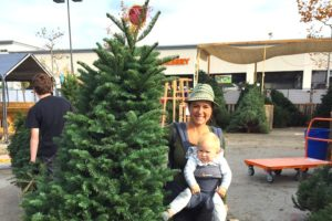 angie-and-mana-christmas-tree