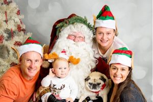 chek-family-with-santa-2016